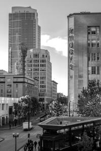 2011 1110 Westlake Center